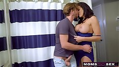 Cheating Wife Fucks Daughters Suppliant And Gets Threesome! S7:E4