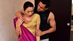 Desi Kaamwali Amma ki saree utar kar zabardast gaand chodi