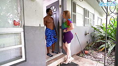 Landlord Sara Jay cums to collect rent at all scrimp