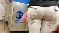 Candid bbw booty in sweats of NYC
